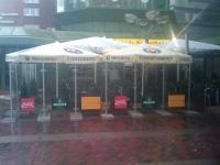 Windschutz für ein Eis Cafe in Duisburg