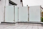 Windschutz und Sichtschutz aus Edelstahl mit Sicherheitsglas