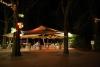 Der beleuchtete Eingang des Winter Zoo