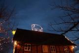 Elefant auf den Dächern in Meyers Hof im Zoo Hannover