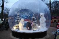 Begehbare Schneekugel für den Winter Zoo Hannover