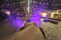 Wasserspiel im Dschungelpalast im Winter-Zoo Hannover