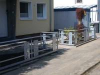 Zaun und Müllboxverkleidung aus verzinktem Stahl