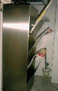 Verkleidung und Zeitungshalter aus Edelstahl in Einem