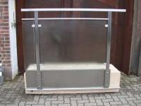 Brüstungs Geländer aus Edelstahl mit einer Glasfüllung aus Mastercarree Sicherheitsglas - Edelstahlgeländer