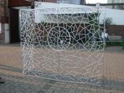 Abschließbares Gitter für unsere Bonsais