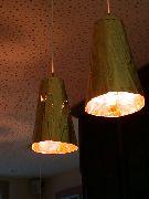 Abgependelte Leuchten aus vergoldeter Kupferfolie