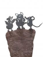 Die drei Freunde von Helme Heine als Denkmal