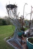 Drachenbein als Rankskulptur