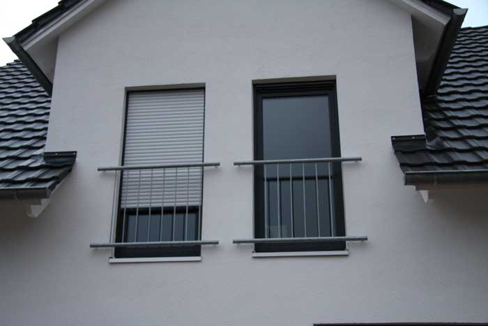astrein franz sischer balkon aus feuerverzinktem stahl. Black Bedroom Furniture Sets. Home Design Ideas