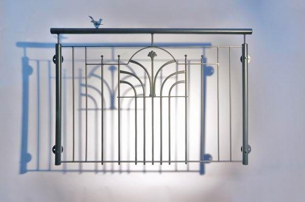 franz sischer balkon einem schmuckornament aus lackiertem stahl. Black Bedroom Furniture Sets. Home Design Ideas