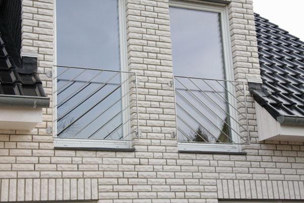 eleganter franz sischer balkon aus edelstahl gefertigt. Black Bedroom Furniture Sets. Home Design Ideas