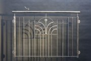 Französischer Balkon einem Schmuckornament aus Stahl