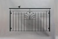 franz. Balkon aus Stahl feuerverzinkt, lackiert mit einem Vogel