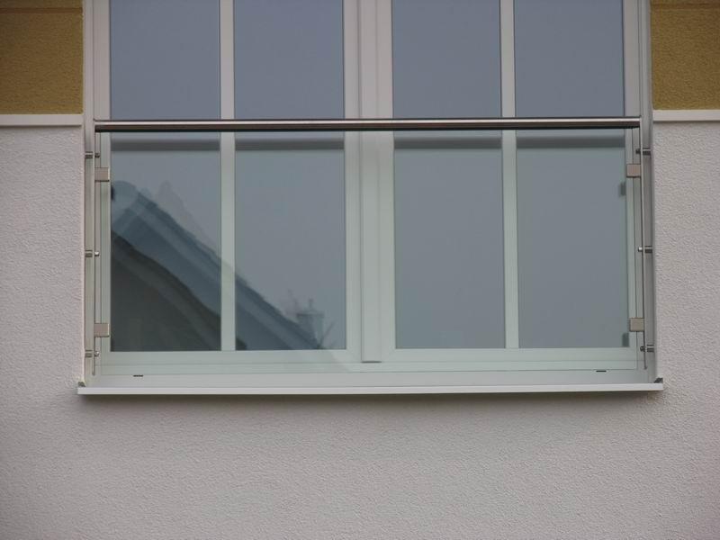 franzosischer balkon edelstahl in leibung inspiration design traumhaus und interieur von heute. Black Bedroom Furniture Sets. Home Design Ideas