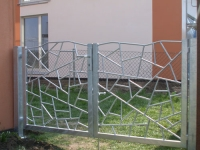 Große Klasse: Gartentor mit Original Schmitzstruktur