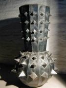 Stacheliges Gefäß aus Stahlblech