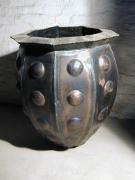 Skulpturales Pflanzgefäß aus 1 mm Stahlblech