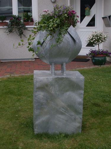 Pflanzgefäß aus feuerverzinktem Stahl