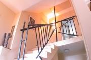 dekonstruktives Treppen- und Brüstungsgeländer aus Stahl geschweißt