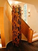 mit Schlagmetall vergoldetes Blechband als Treppengeländer