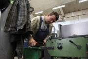 22.4.10 die Arbeiten am Gussmodell für die frontseitige Bronze Plakette beginnen