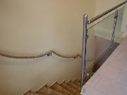 Geländer aus Edelstahl und Glas, Handlauf aus Seil