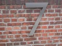 Hausnummer 7 aus Edelstahl