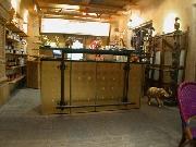 vergoldete Theke im Zoo Hannover