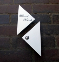 Klingelschild aus Edelstahl, weiß lackiert