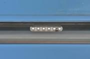 Klasse Edelstahlgeländer mit LED-Handlauf und Glasfüllung