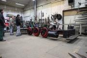 09.02.2010 Unsere Lok verläßt die Werkhalle in Einzelteile