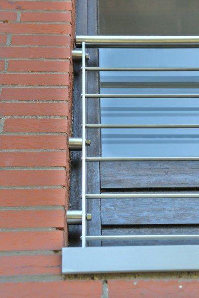 verschiedene Beispiele, wie ein franz. Balkon befestigt werden kann