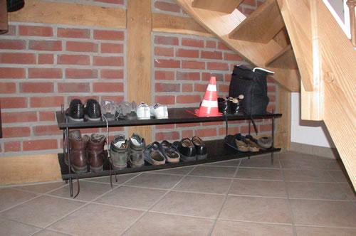 Schuhregal  aus verzundertem Stahl