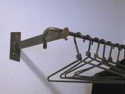Garderobe mit 8 handgeschmiedeten Kleiderbügeln- Stahl geschmiedet