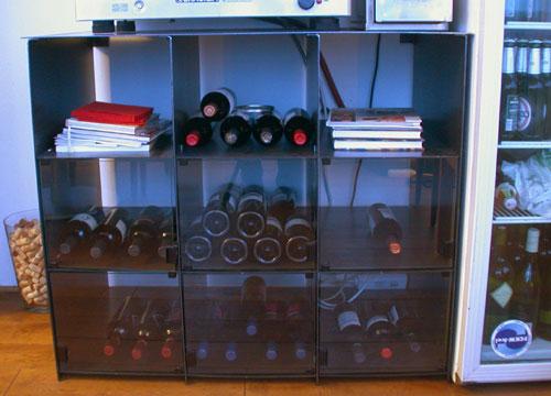 steck regal mit glasscheiben f r weinflaschen stahl gelasert. Black Bedroom Furniture Sets. Home Design Ideas