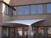 Segel als Eingangsüberdachung des Haupteingangs bei der  SOCON SONAR CONTROL Kavernenvermessung GmbHin Emmerke