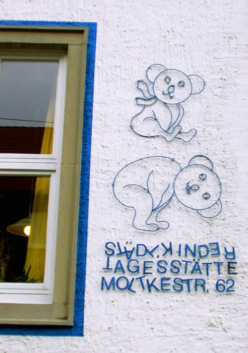 Schild für eine Kindertagesstätte in Hildesheim Moltkestr.