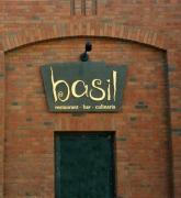 Außenwerbung  für das Restaurant Basil in Hannover