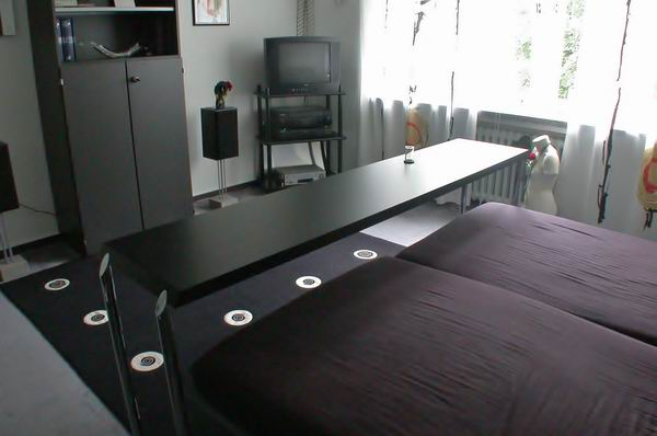 fr hst cken im bett. Black Bedroom Furniture Sets. Home Design Ideas