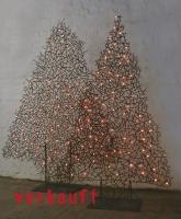 Weihnachts Tannenbäume aus Draht, beleuchtet