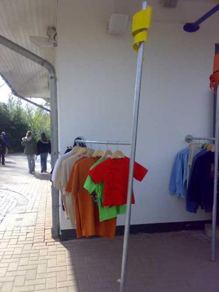 Klappbare garderobe f r tatzi tatz for Garderobe zaun