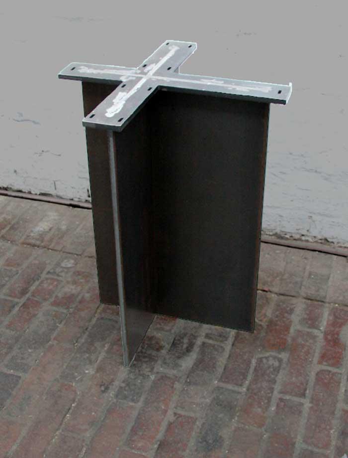 tischgestell aus gelasertem stahl. Black Bedroom Furniture Sets. Home Design Ideas