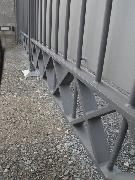 Sichtschutzverkleidung für ein zweiflügeliges Tor mit elektrischem Antrieb