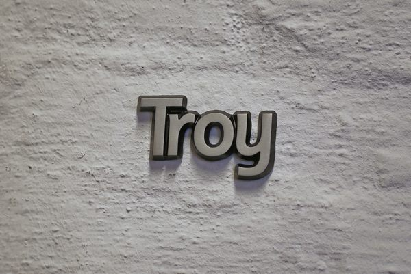 """Aluminium Schriftzug """"Troy"""""""