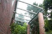 Vordächer und Überdachungen
