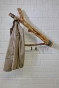 Wandhängende Astgarderobe mit Schlüsselhaken
