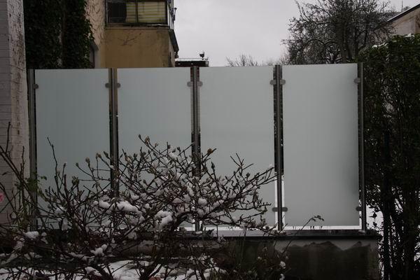 wunderbar windschutz und sichtschutz aus edelstahl und glas in. Black Bedroom Furniture Sets. Home Design Ideas